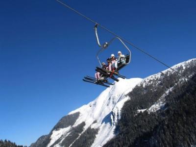 na nartach na stoku